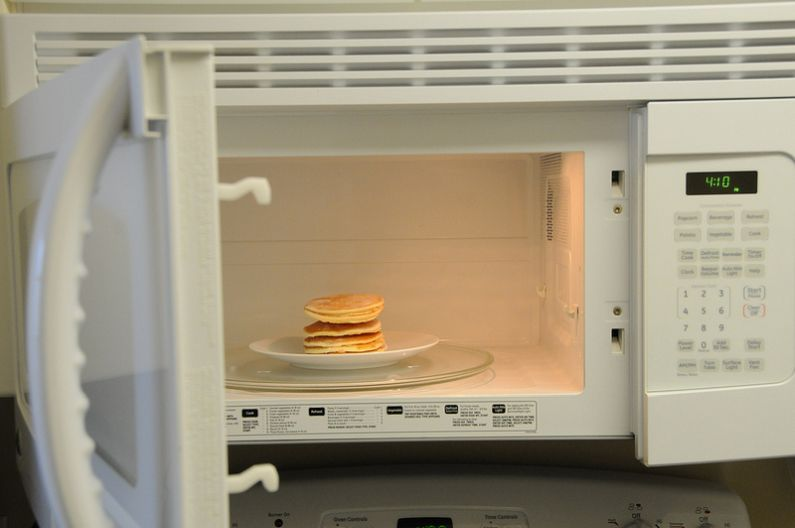 Cleaning (& Maintaining) the Office Microwave